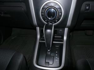 Isuzu KB 300D-Teq Extended cab LX auto - Image 11