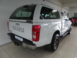 Isuzu KB 300D-Teq Extended cab LX auto - Image 4