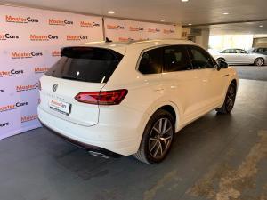 Volkswagen Touareg 3.0 TDI V6 Executive - Image 4