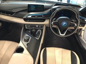 BMW i8 Roadster - Image 15
