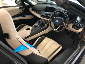BMW i8 Roadster - Image 17