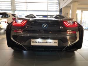 BMW i8 Roadster - Image 18