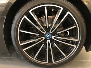 BMW i8 Roadster - Image 19