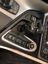 BMW i8 Roadster - Image 21