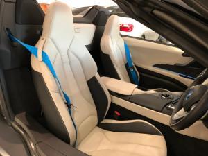 BMW i8 Roadster - Image 28