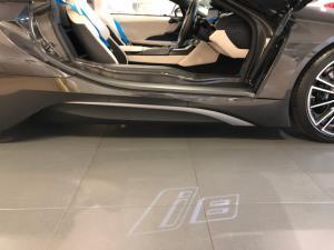BMW i8 Roadster - Image 2