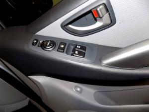 Hyundai H-1 2.5 Crdi A/T/ 2.5 Elite automatic - Image 14