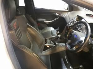 Ford Focus ST 3 - Image 7