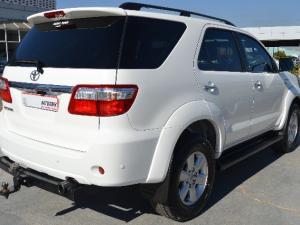 Toyota Fortuner 3.0D-4D auto - Image 4