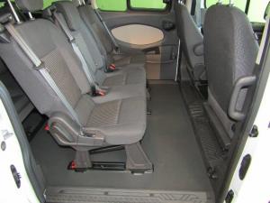 Ford Tourneo Custom 2.2TDCiAmbiente LWB - Image 8