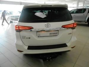Toyota Fortuner 2.8GD-6 4X4 automatic - Image 4