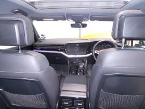 Volkswagen Touareg 3.0 TDI V6 Executive - Image 19