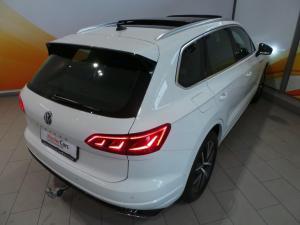 Volkswagen Touareg 3.0 TDI V6 Executive - Image 3