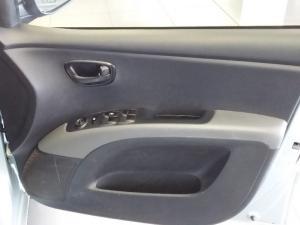 Hyundai i10 1.25 GLS/FLUID - Image 3