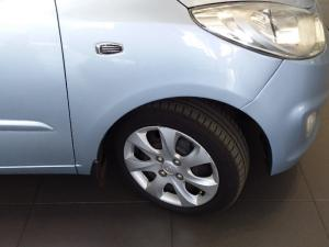 Hyundai i10 1.25 GLS/FLUID - Image 6
