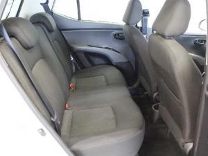 Hyundai i10 1.1 GLS - Image 12