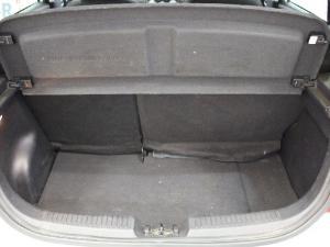 Hyundai i10 1.1 GLS - Image 13