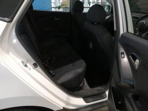 Hyundai ix35 2.0 GL - Image 9