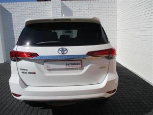 Toyota Fortuner 2.4GD-6 4X4 automatic - Image 4