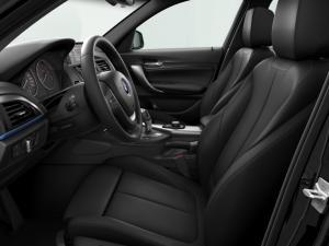 BMW 125i M Sport 5-Door automatic - Image 4