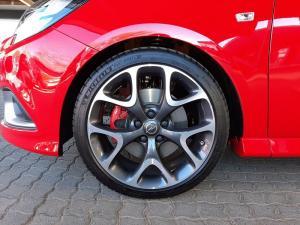 Opel Corsa GSI 1.4T - Image 11