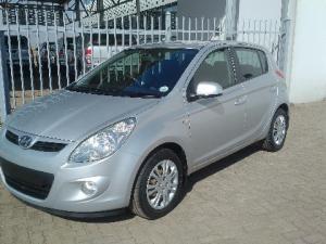 Hyundai i20 1.4 GL auto - Image 4