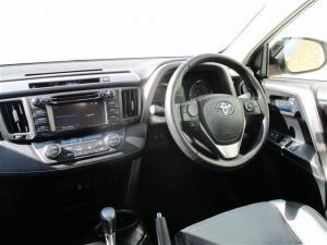 Toyota RAV4 2.5 VX automatic - Image 5