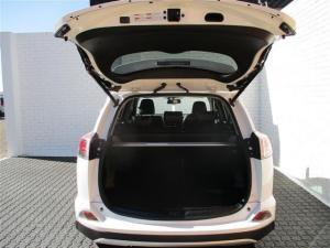 Toyota RAV4 2.5 VX automatic - Image 9