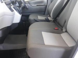Toyota Quantum 2.8 SLWB panel van - Image 10