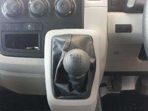 Toyota Quantum 2.8 SLWB panel van - Image 12
