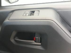 Toyota Quantum 2.8 SLWB panel van - Image 14