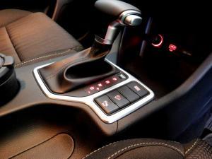 Kia Sportage 2.0 Crdi Ignite + automatic - Image 23