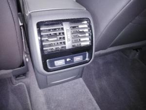 Volkswagen Arteon 2.0 TDI R-LINE DSG - Image 5