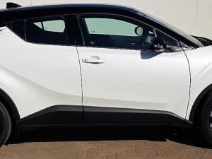 Toyota C-HR 1.2T Luxury CVT - Image 8