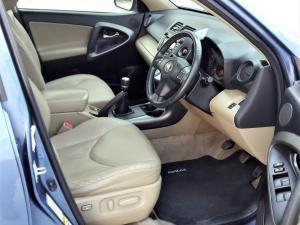 Toyota RAV4 2.2D-4D VX - Image 10