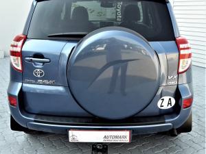 Toyota RAV4 2.2D-4D VX - Image 7