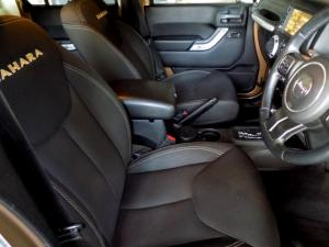 Jeep Wrangler Unltd Sahara 3.6L V6 automatic - Image 15