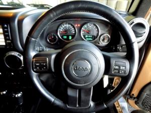 Jeep Wrangler Unltd Sahara 3.6L V6 automatic - Image 26