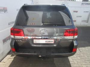 Toyota Land Cruiser 200 V8 4.5D VX-R automatic - Image 13