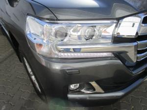 Toyota Land Cruiser 200 V8 4.5D VX-R automatic - Image 14