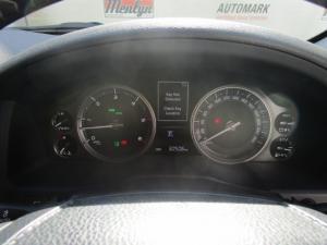 Toyota Land Cruiser 200 V8 4.5D VX-R automatic - Image 21