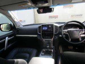 Toyota Land Cruiser 200 V8 4.5D VX-R automatic - Image 23