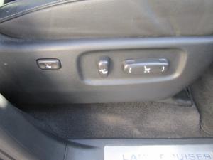 Toyota Land Cruiser 200 V8 4.5D VX-R automatic - Image 25