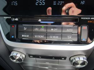 Toyota Land Cruiser 200 V8 4.5D VX-R automatic - Image 29