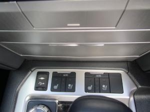 Toyota Land Cruiser 200 V8 4.5D VX-R automatic - Image 31
