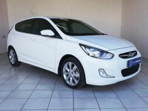 Hyundai Accent hatch 1.6 Fluid auto - Image 1