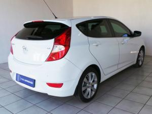 Hyundai Accent hatch 1.6 Fluid auto - Image 3