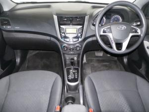 Hyundai Accent hatch 1.6 Fluid auto - Image 6