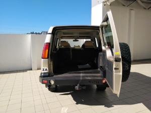 Land Rover Discovery GS TD5 automatic - Image 5