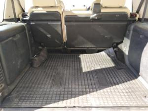 Land Rover Discovery GS TD5 automatic - Image 6